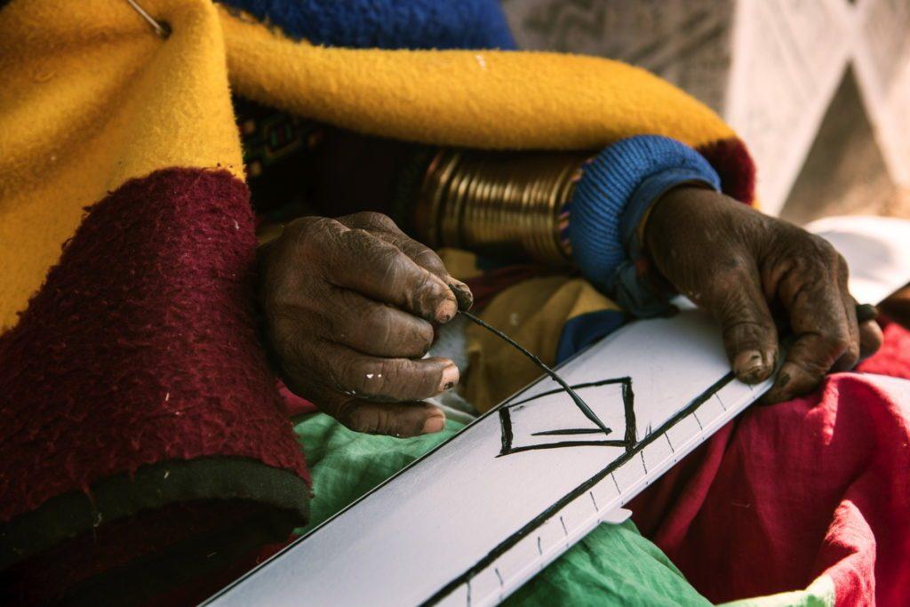 esther mahlangu ndebele artist, Esther Mahlangu